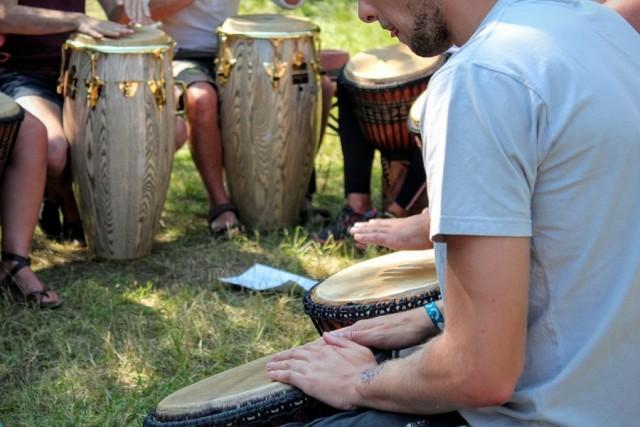 Как игра на барабанах улучшает психическое и физическое здоровье