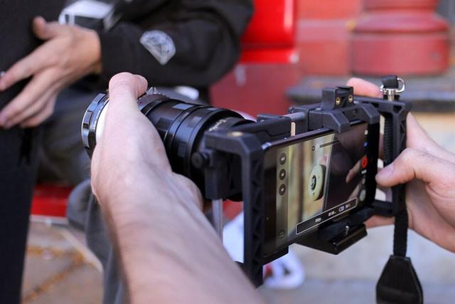 Beastgrip Pro - универсальная установка для съёмки со смартфоном