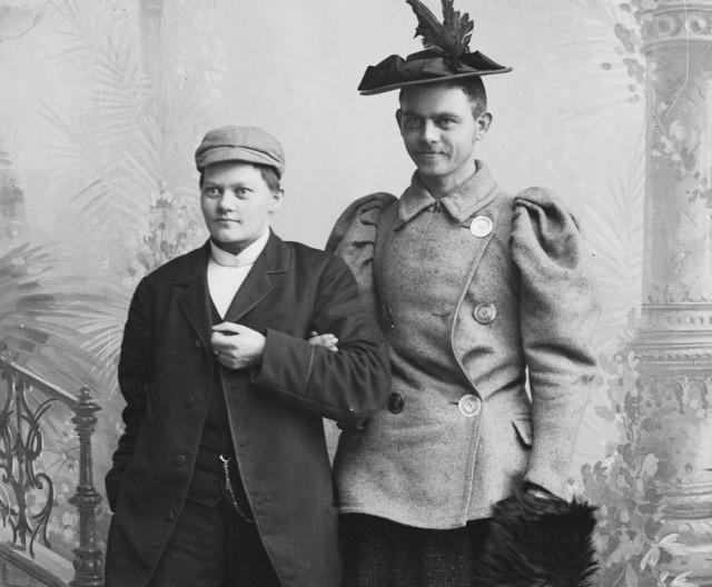Из личного архива Мари Хёг: как норвежки экспериментировали в фотостудии в 1900-е годы