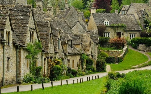 Байбери – самая красивая деревня Англии. Она даже в британских паспортах изображена