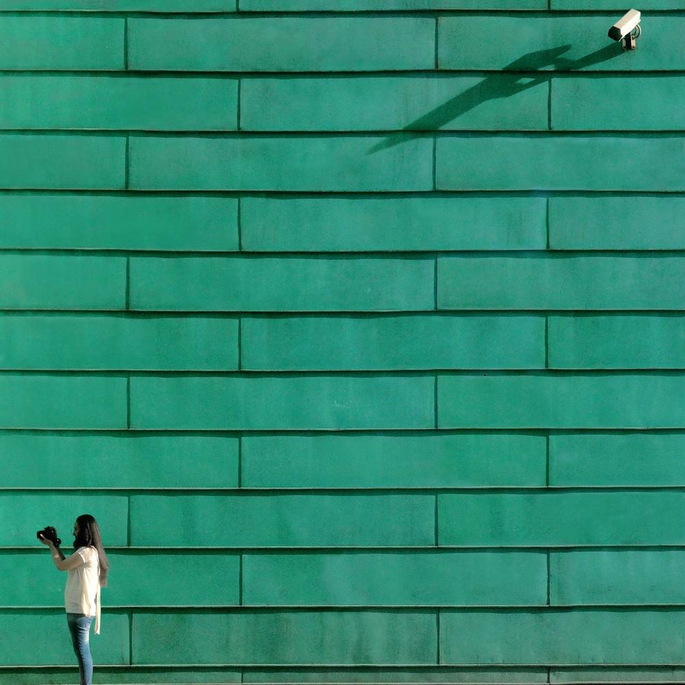 Современный Стамбул в ярких уличных фотографиях Йенера Торуна