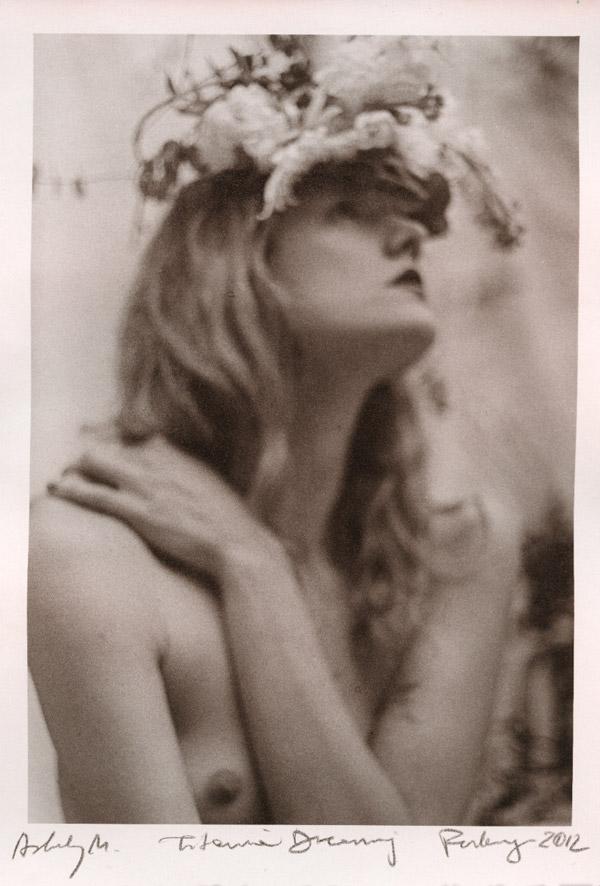 Нецифровые фотографии Паулины Отилье Сурис