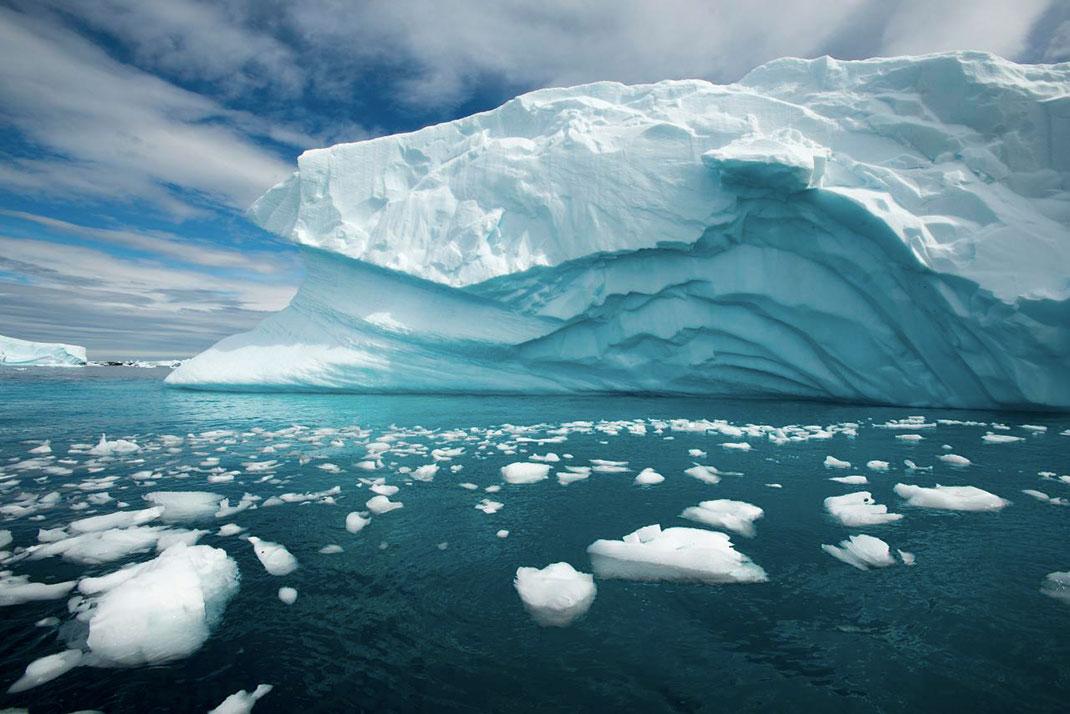В ледниковом покрове Антарктиды находится около 80 % запасов пресной воды нашей планеты