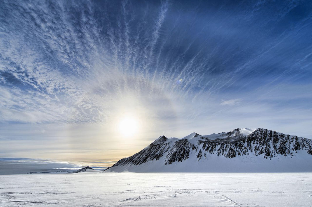 Интересные факты об Антарктиде. Антарктида – самая большая пустыня мира.