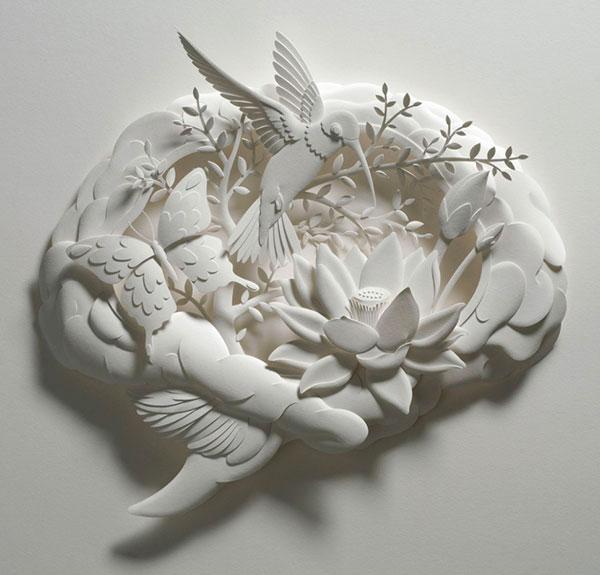 3-Художник из листов бумаги создает потрясающие скульптуры