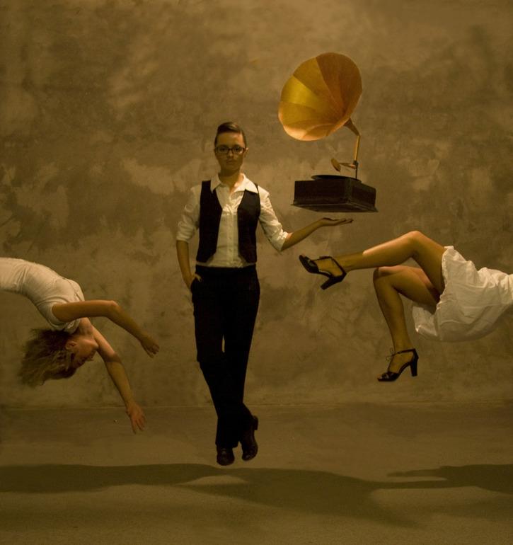 Фотограф Катерина Бодрунова бросает вызов гравитации