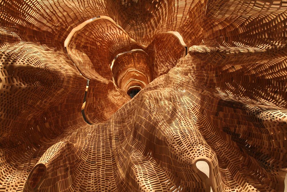 Гигантская скульптура 140-летнего дерева-1