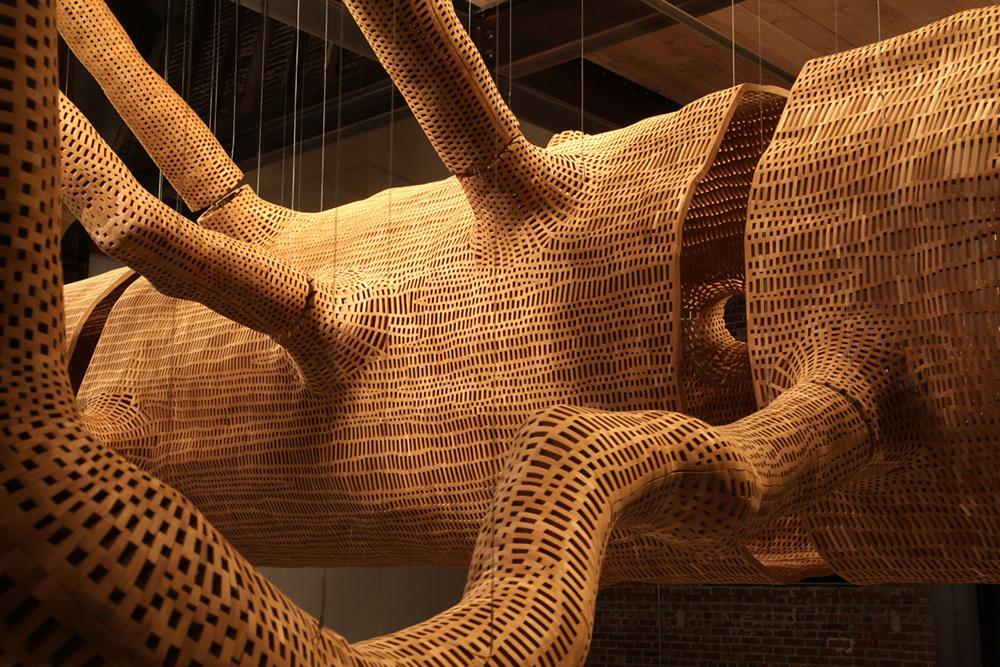 Гигантская скульптура 140-летнего дерева-3