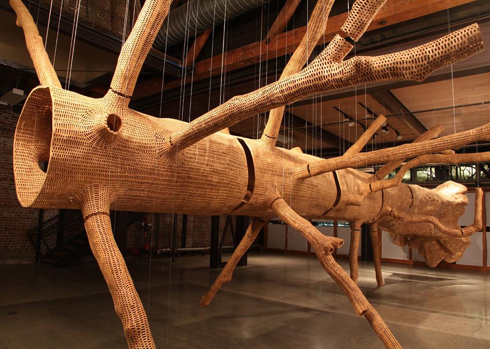 Гигантская скульптура 140-летнего дерева-5