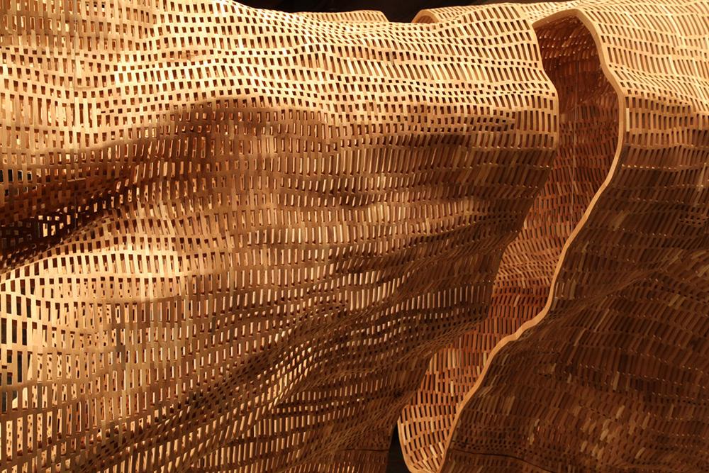 Гигантская скульптура 140-летнего дерева-7