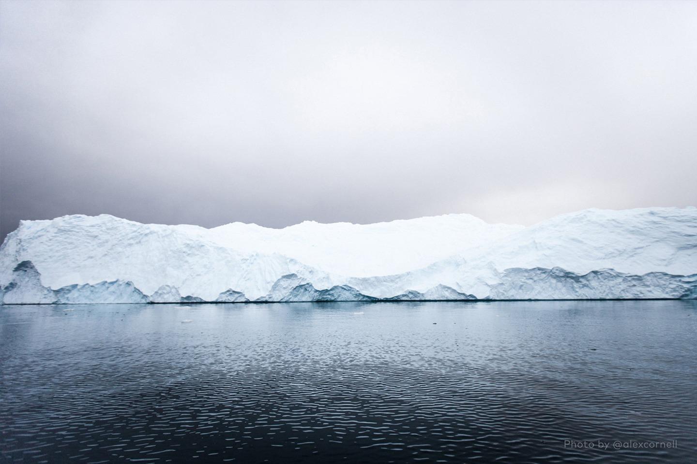 Редкие и захватывающие фотографии перевёрнутого айсберга-5