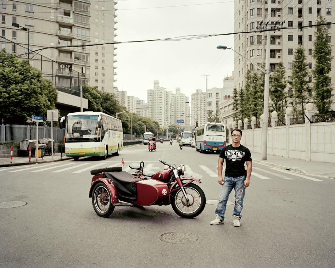 Байкеры Шанхая и их мотоциклы с колясками. Фотограф Орельен Шово - 5