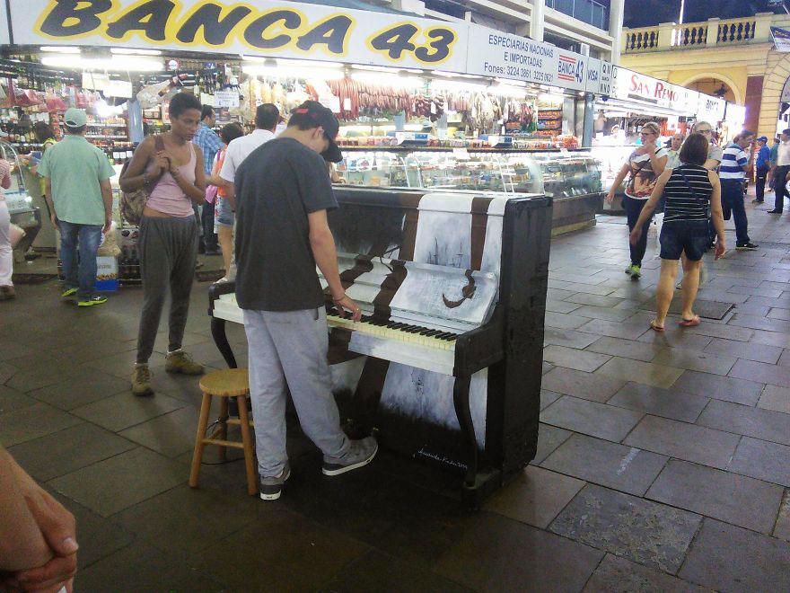69 раскрашенных уличных пианино в разных городах мира-66