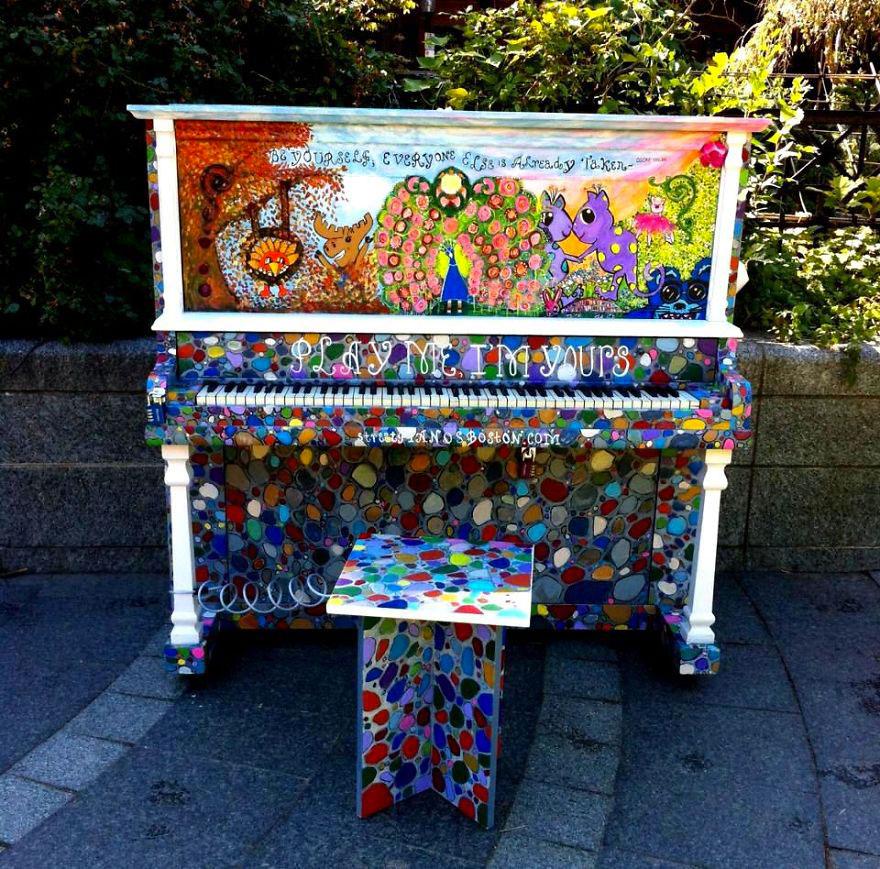69 раскрашенных уличных пианино в разных городах мира-59