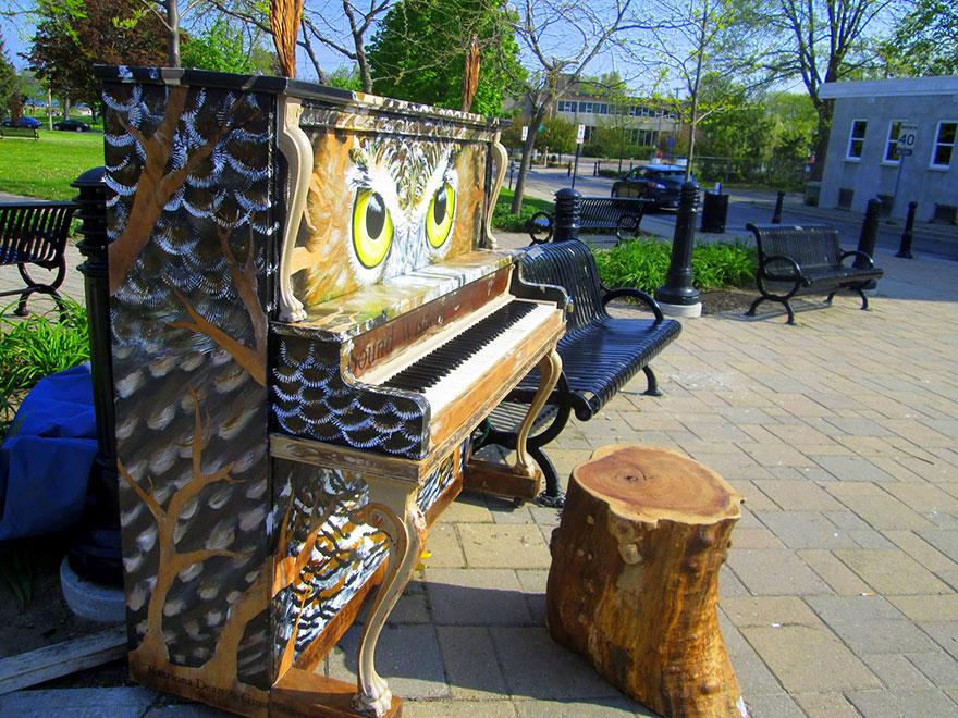 69 раскрашенных уличных пианино в разных городах мира-5