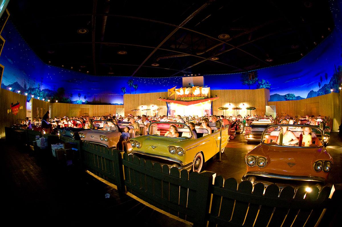 Кинотеатр Sci-Fi Dine-In в голливудской студии Диснея, Орландо, США