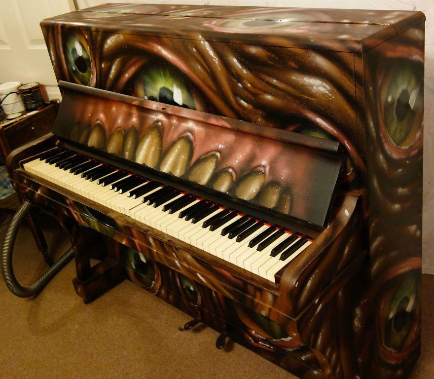 69 раскрашенных уличных пианино в разных городах мира-56