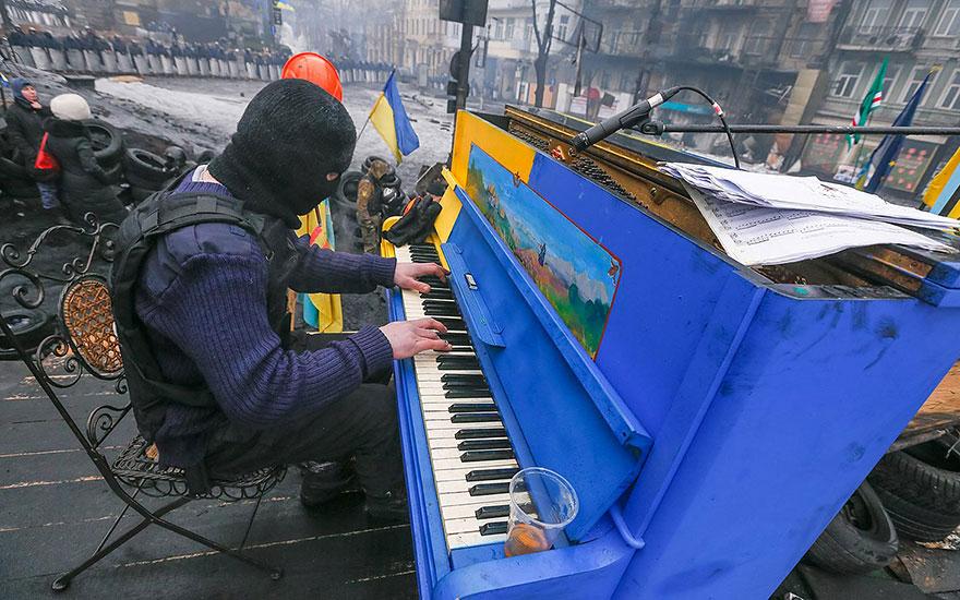 69 раскрашенных уличных пианино в разных городах мира-3