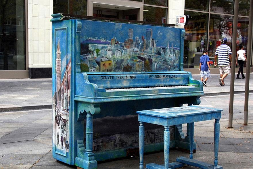 69 раскрашенных уличных пианино в разных городах мира-14