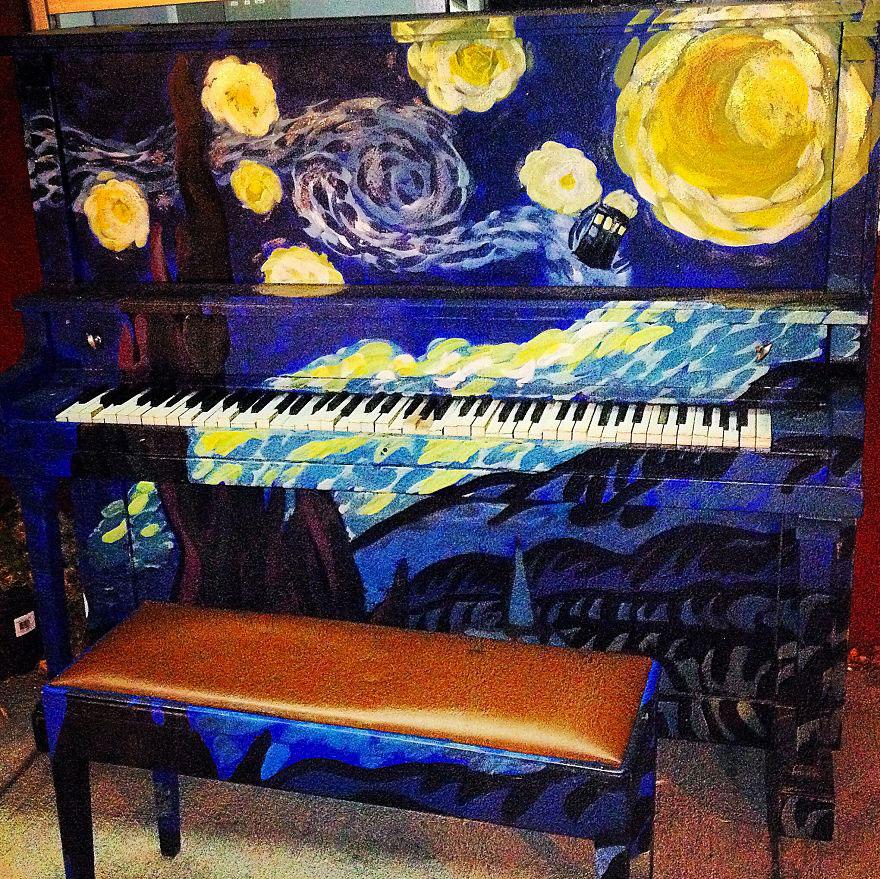 69 раскрашенных уличных пианино в разных городах мира-60