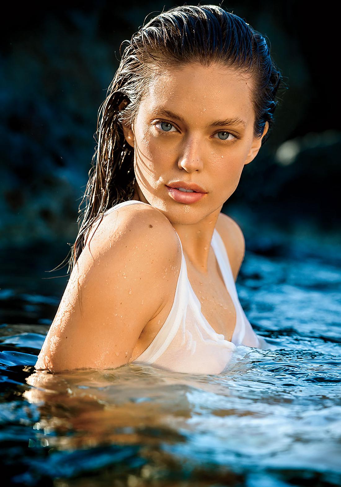 Эмили ДиДонато снялась топлес для августовского выпуска Maxim