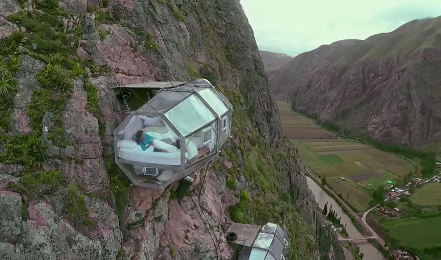 Прозрачный отель для экстремалов в перуанских Андах над Священной долиной-8