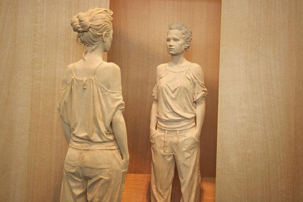 Невероятно реалистичные деревянные скульптуры людей-8