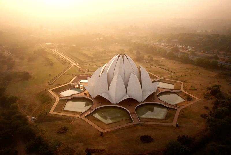 Храм Лотоса в Нью-Дели, Индия