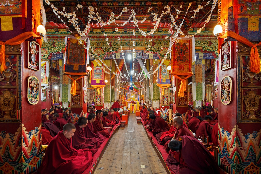 Буйство красок в буддистских монастырях Китая. Фотограф Колин Миллер - 8