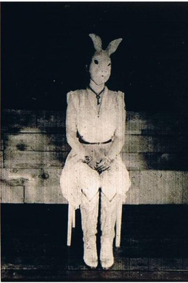 Жуткие пасхальные кролики - 29 праздничных фотографий - 11