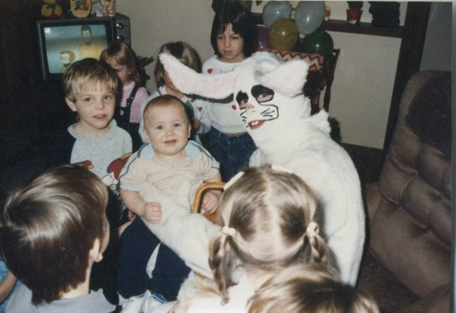 Жуткие пасхальные кролики - 29 праздничных фотографий - 2