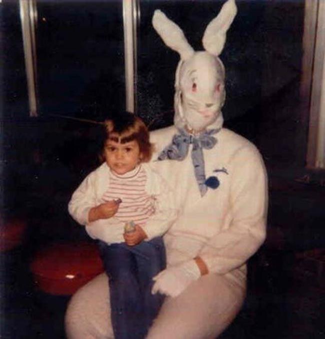 Жуткие пасхальные кролики - 29 праздничных фотографий - 23