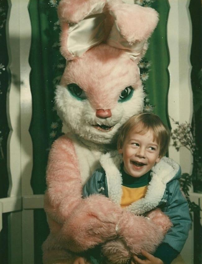 Жуткие пасхальные кролики - 29 праздничных фотографий - 29