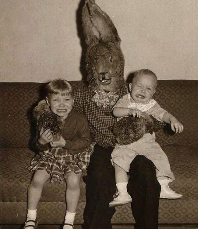 Жуткие пасхальные кролики - 29 праздничных фотографий - 4