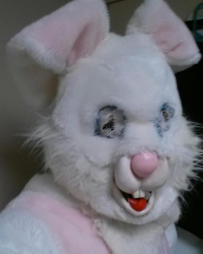 Жуткие пасхальные кролики - 29 праздничных фотографий - 6