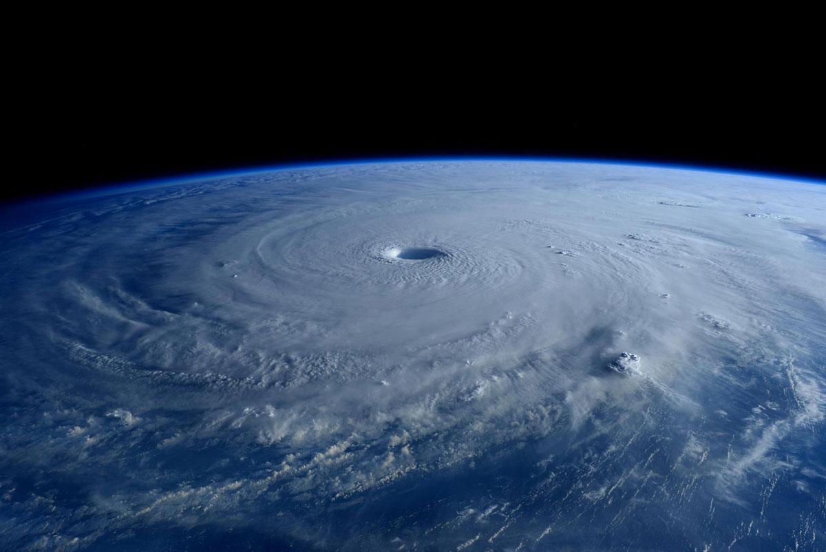 Cупертайфун «Майсак» - фото из космоса - 1