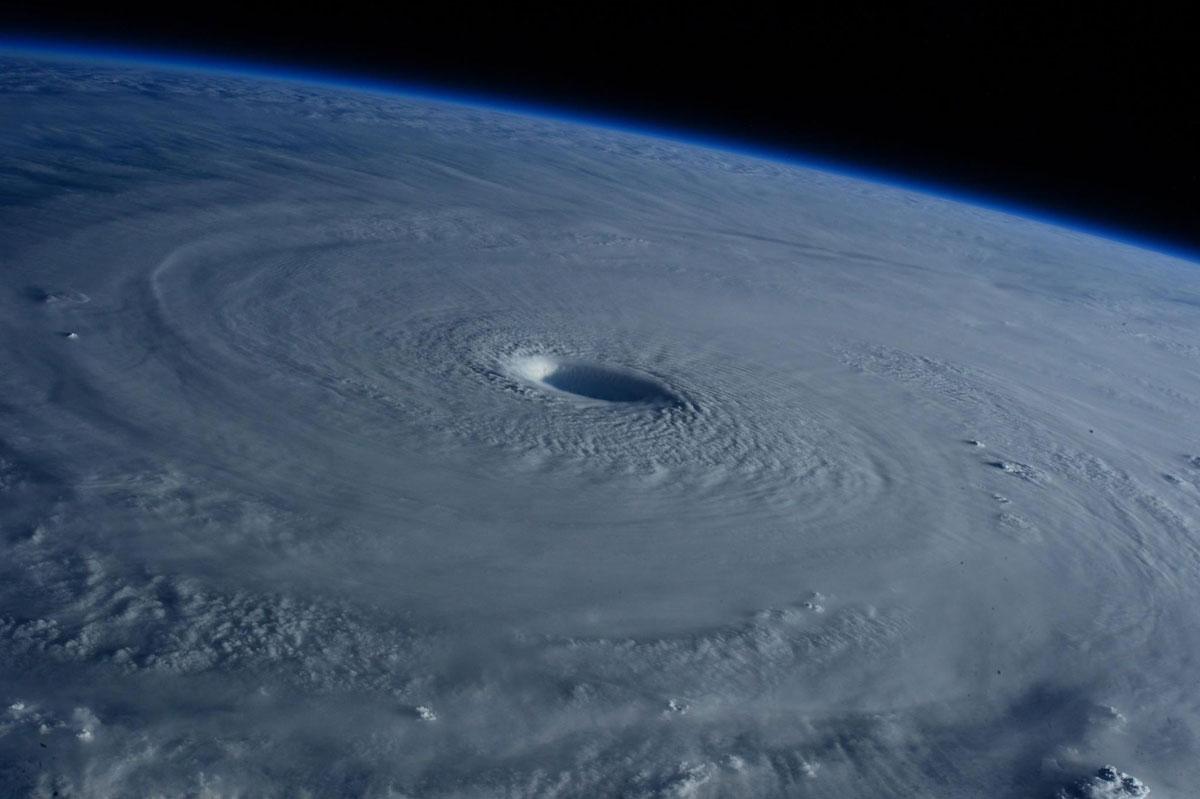 Cупертайфун «Майсак» - фото из космоса - 4