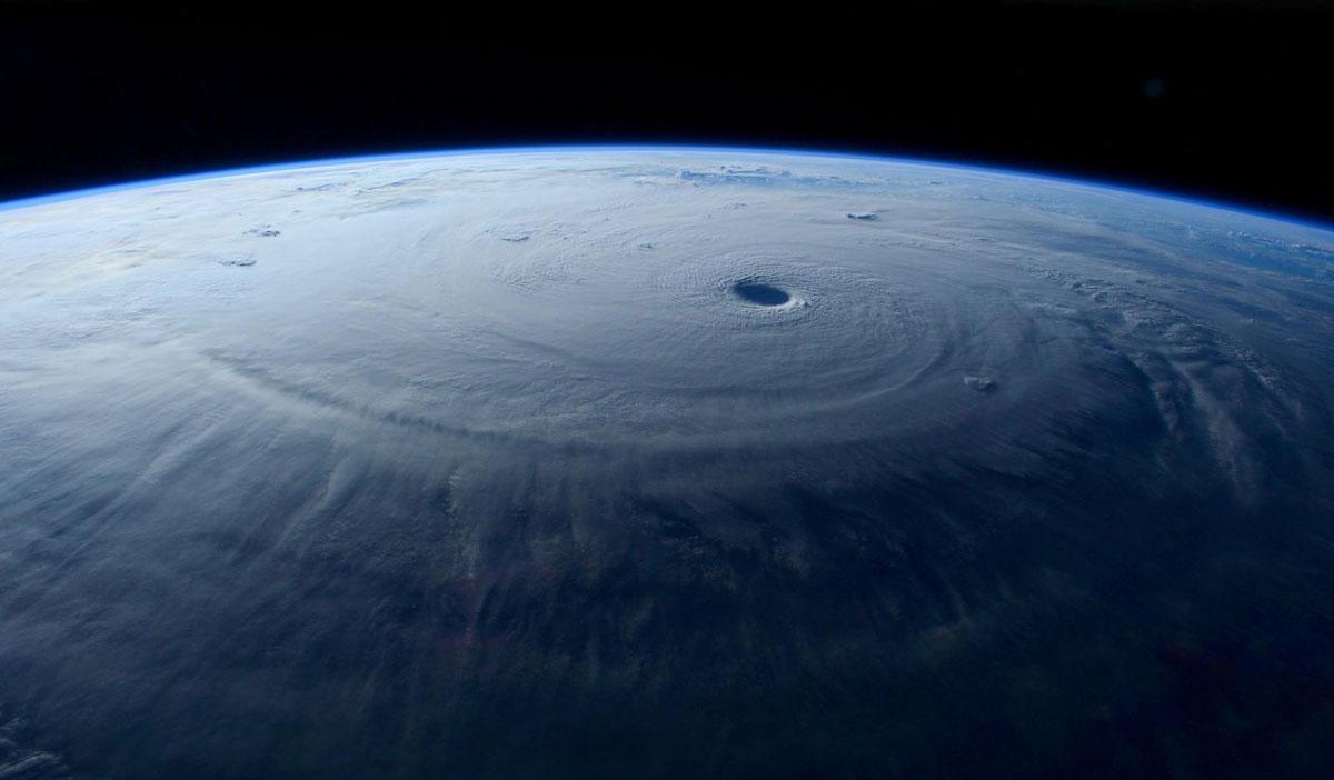 Cупертайфун «Майсак» - фото из космоса - 7
