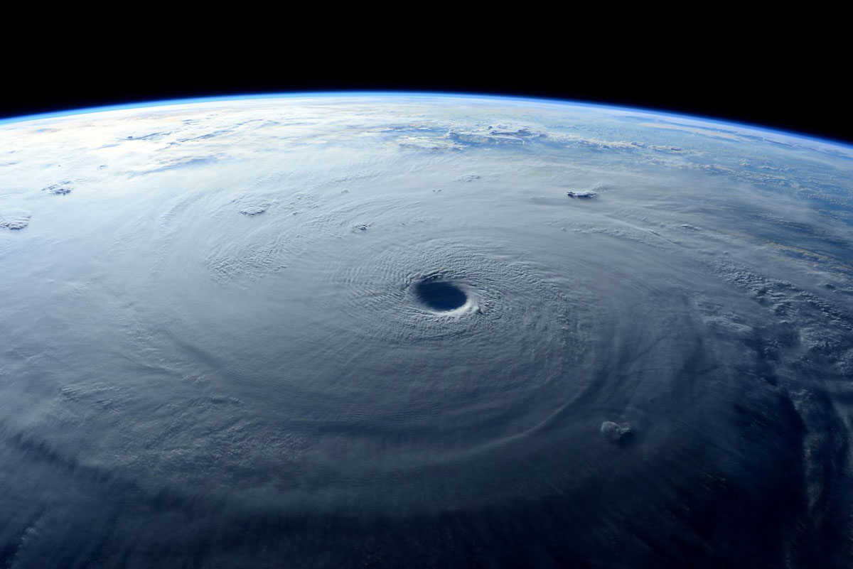 Cупертайфун «Майсак» - фото из космоса - 9