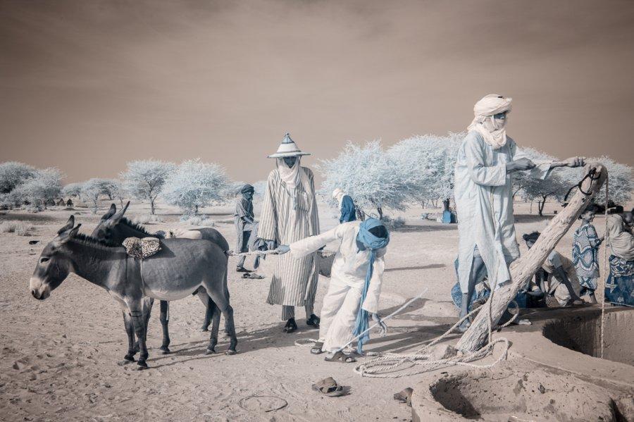 Кочевые племена Нигера в инфракрасных фотографиях Терри Голд-12