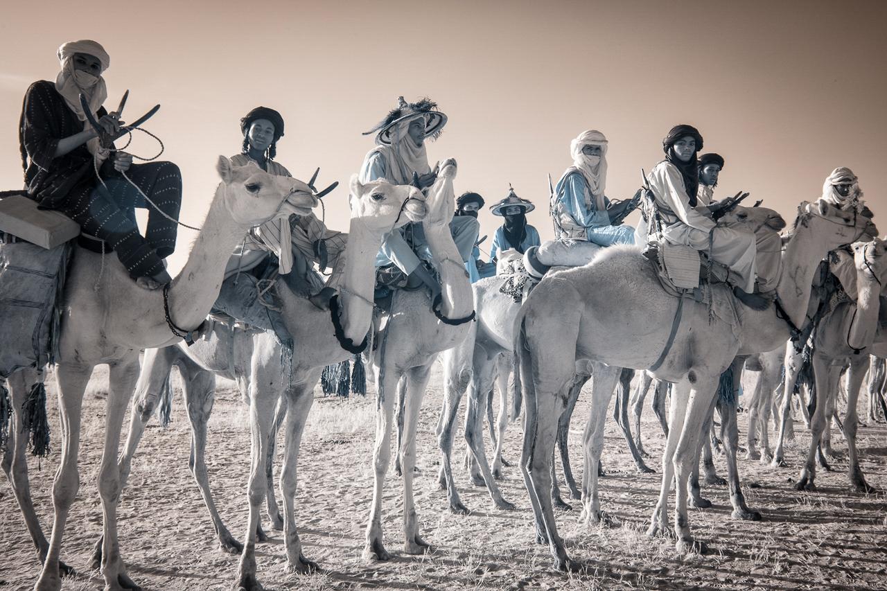 Кочевые племена Нигера в инфракрасных фотографиях Терри Голд-21