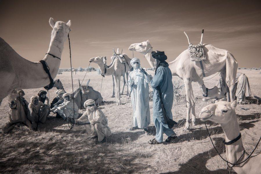 Кочевые племена Нигера в инфракрасных фотографиях Терри Голд-7