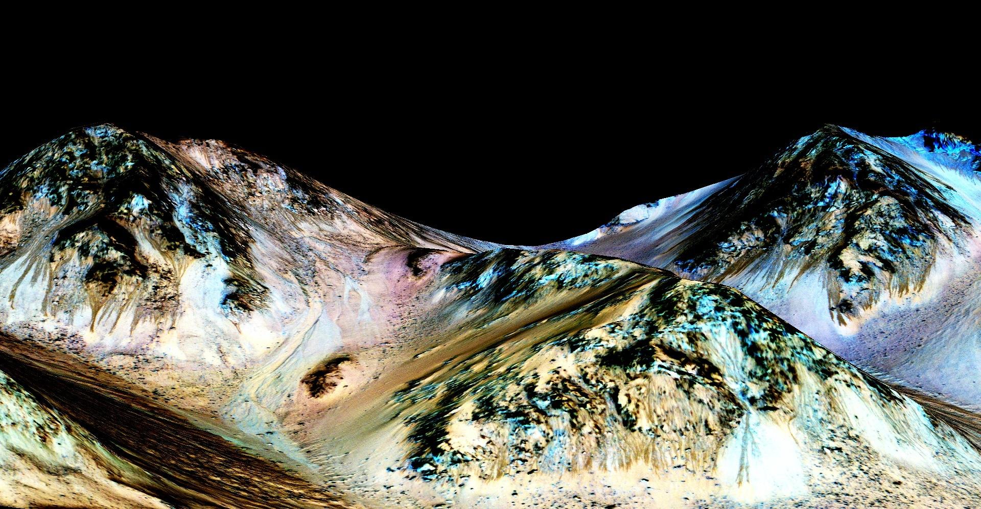 zhidkaya voda na Marse fotografii NASA 1