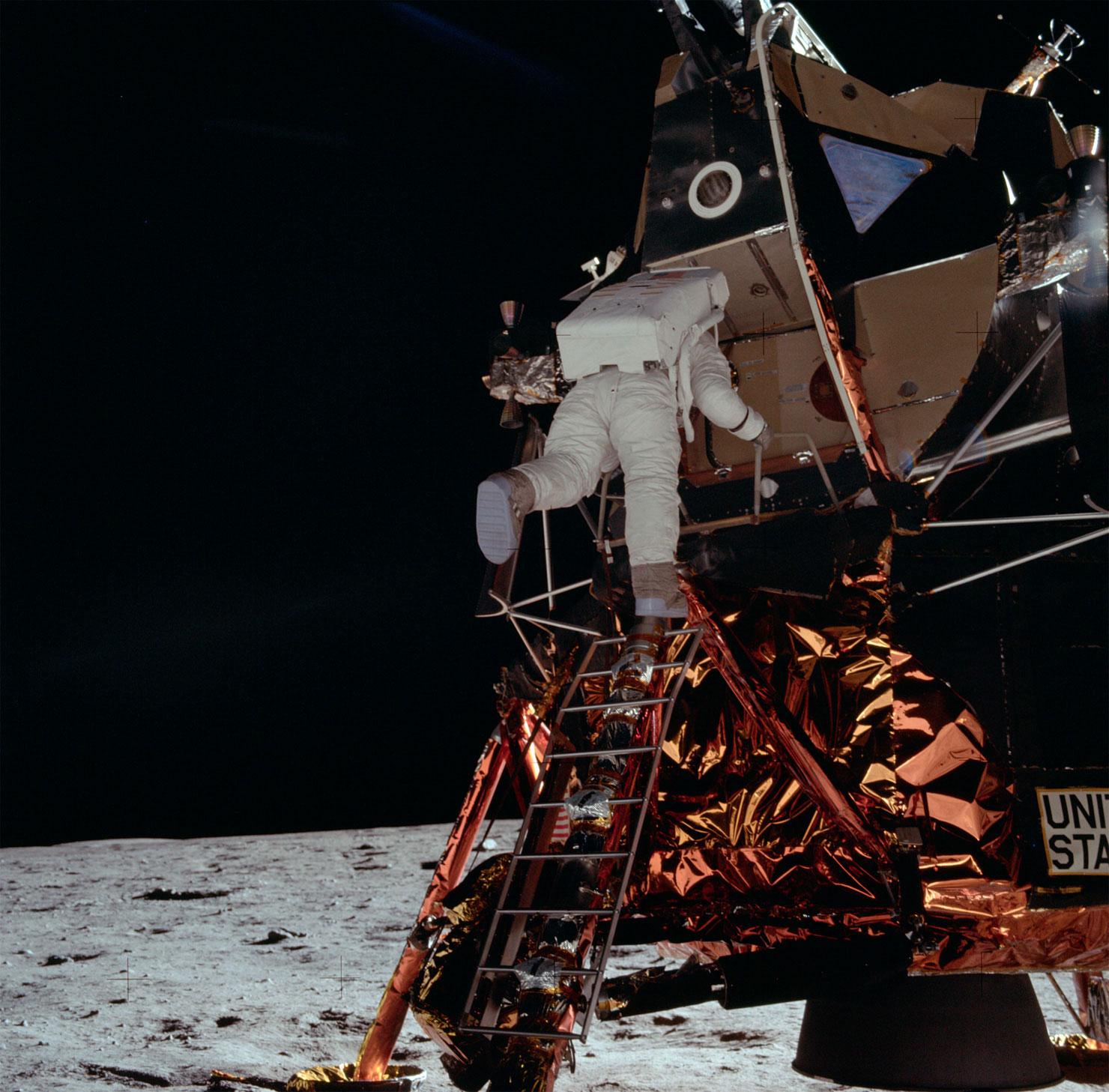 Apollon missiya foto NASA 27