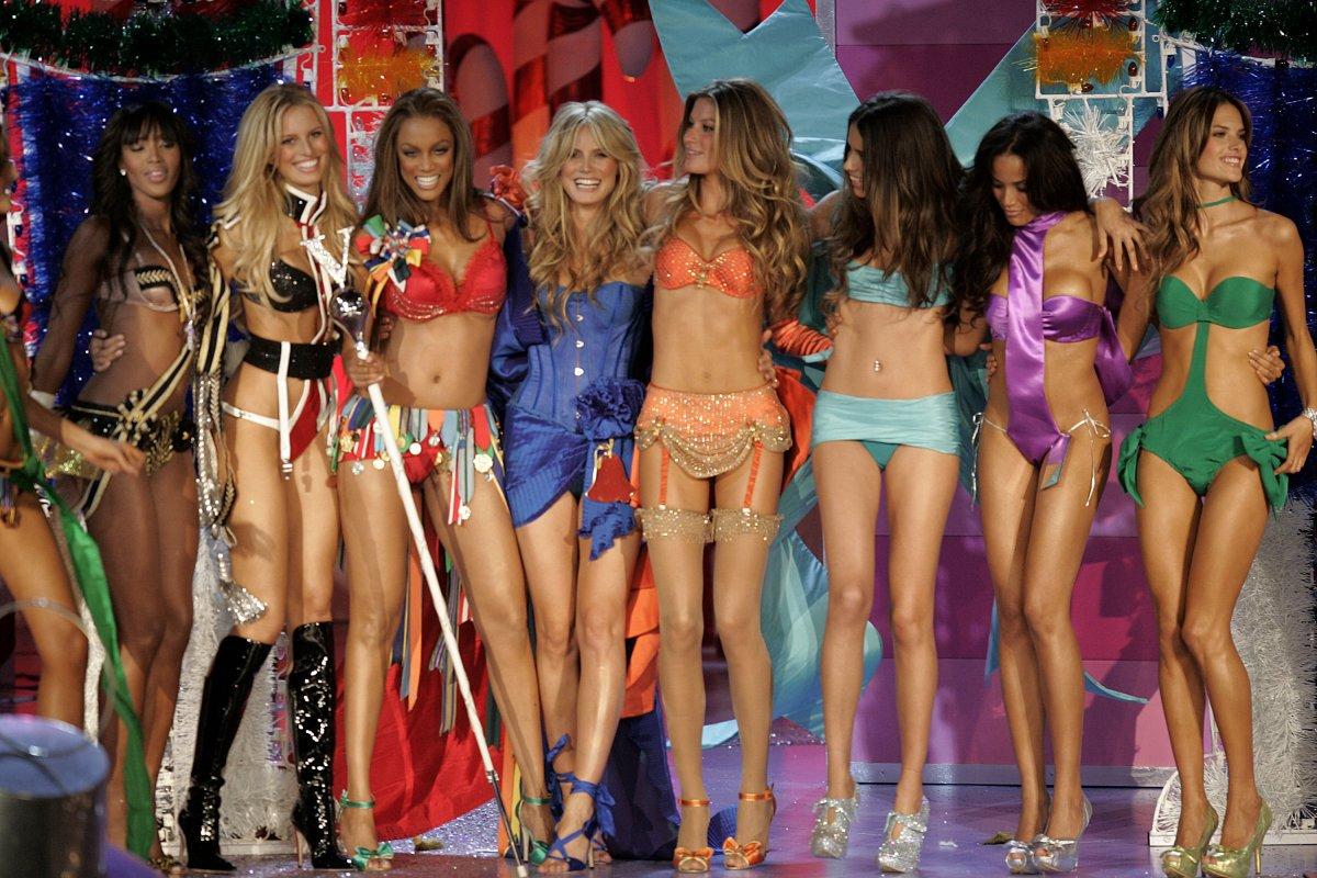 Pokaz mod Victorias Secret 12