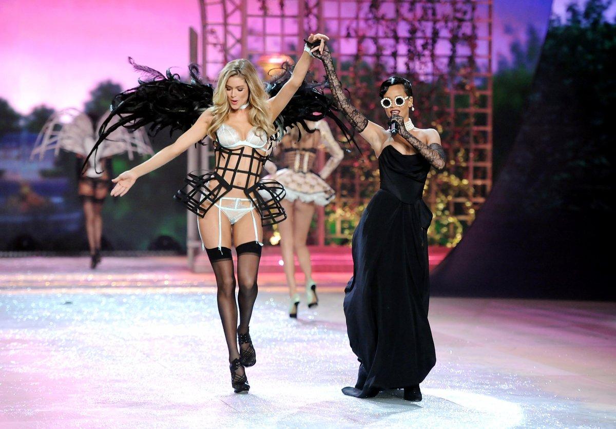 Pokaz mod Victorias Secret 22