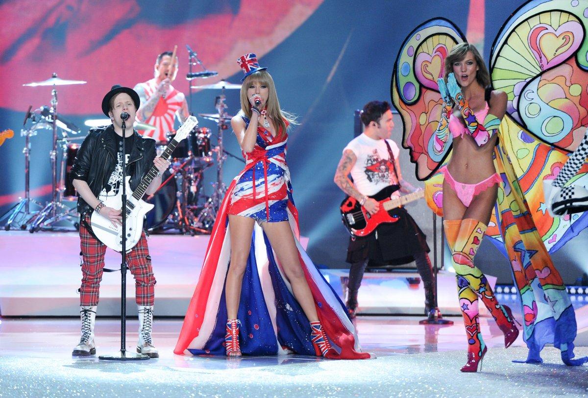 Pokaz mod Victorias Secret 25