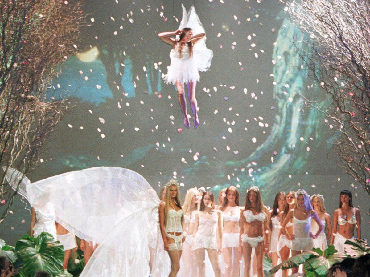 Pokaz mod Victorias Secret 3