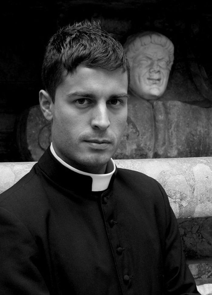 vatikanskie svyaschenniki Calendario Romano 10