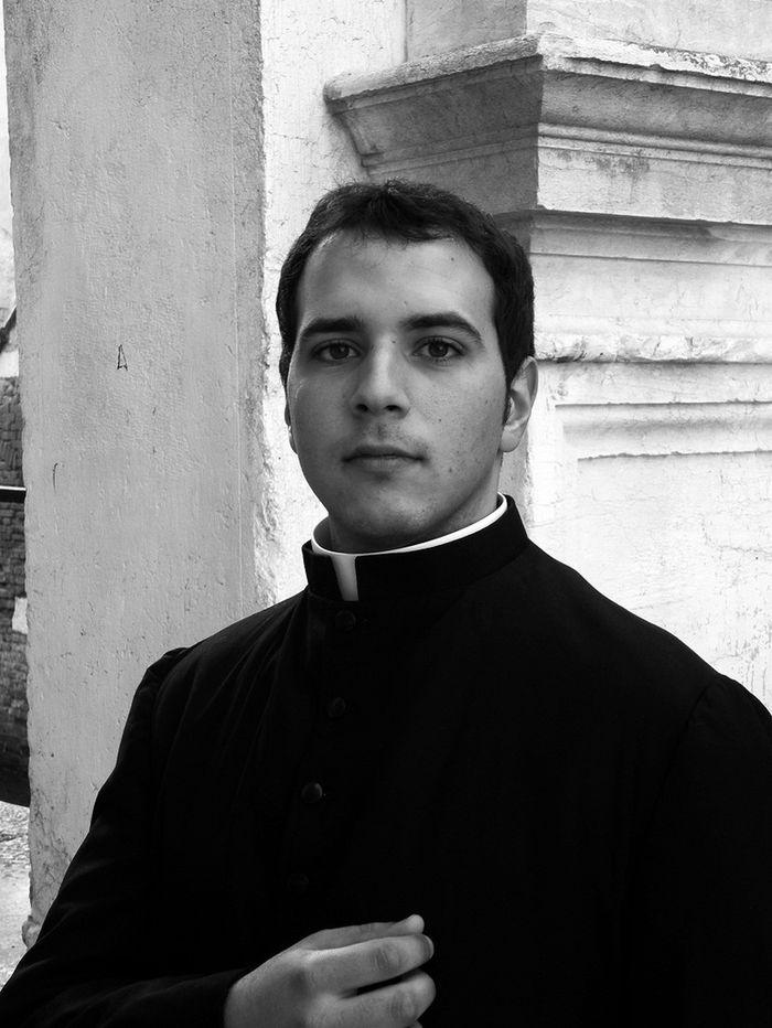 vatikanskie svyaschenniki Calendario Romano 14